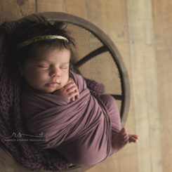 5 reasons you need to hire a newborn photographer
