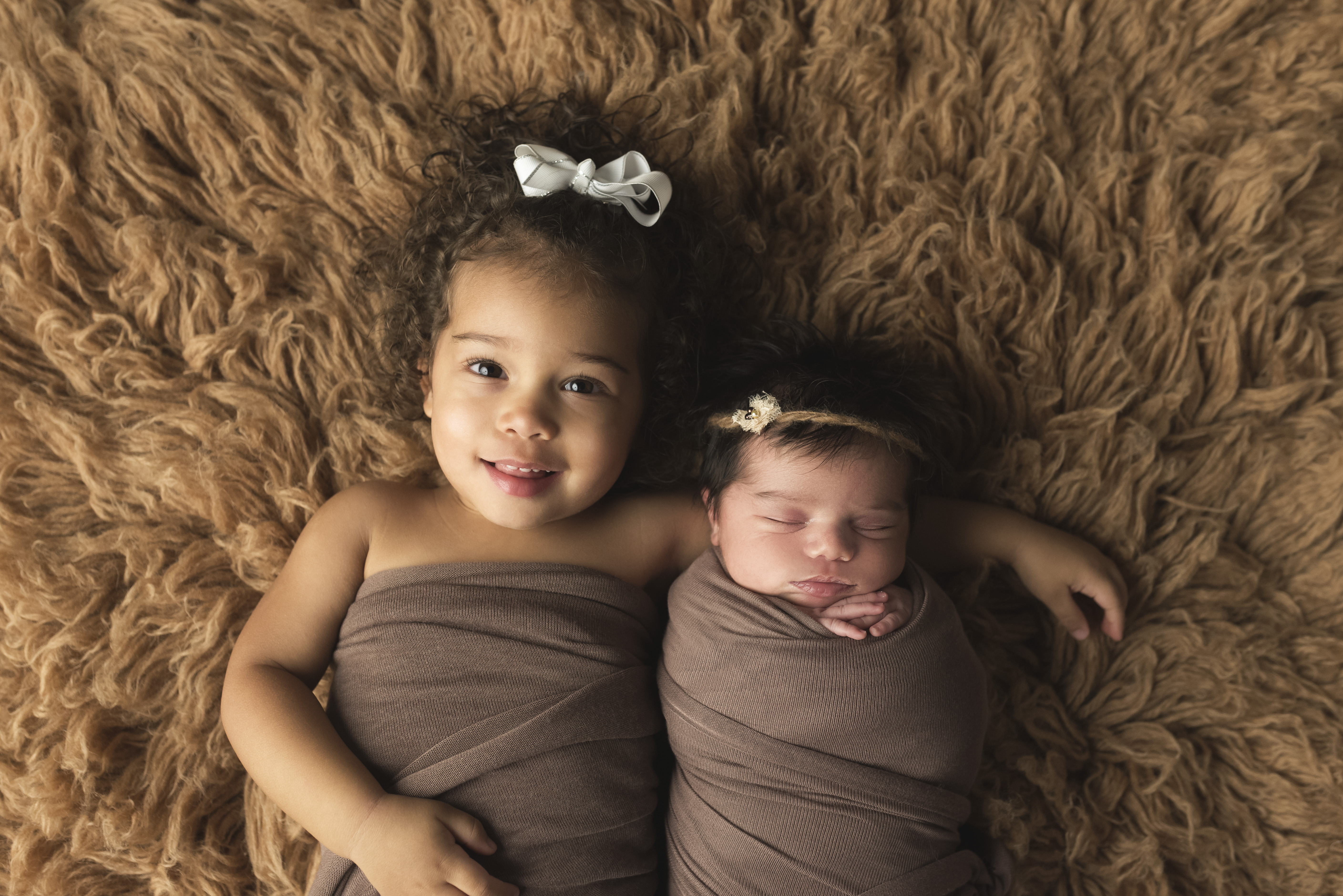 newborn sibling pictures young toddler baby